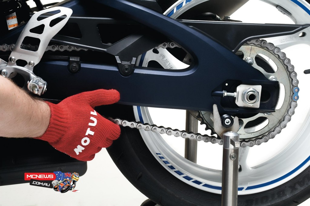 Motul Motorcycle Chain Maintenance Guide - Check drive chain for tension