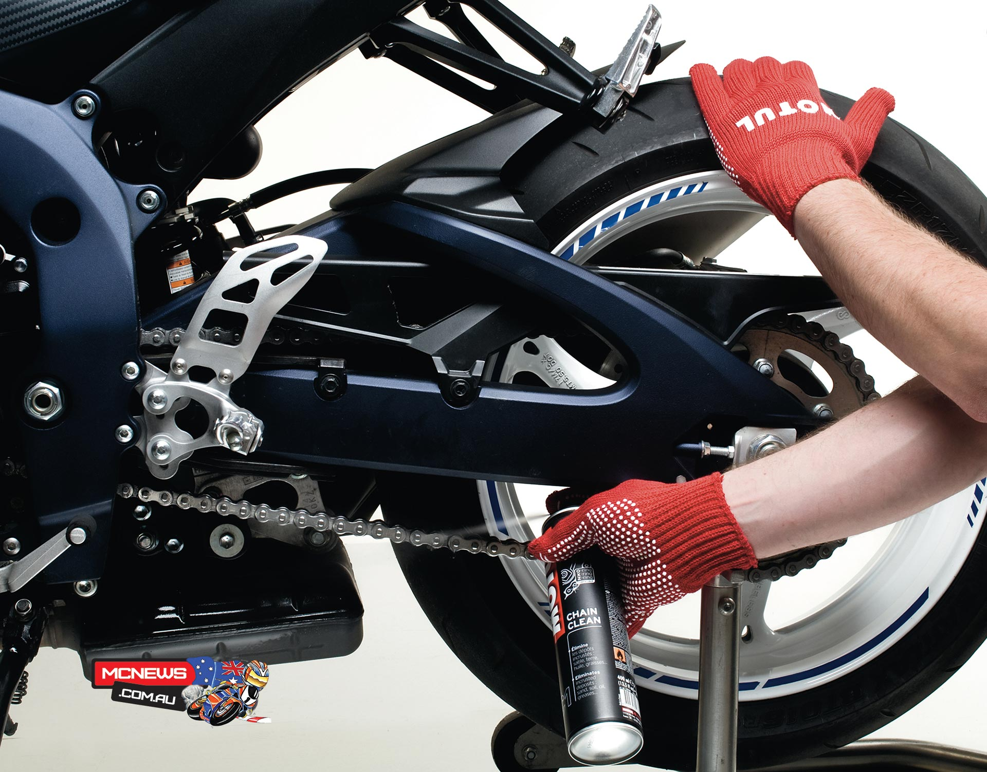 Motul Motorcycle Chain Maintenance Guide - Spray on MOTUL Chain Clean and leave it to soak