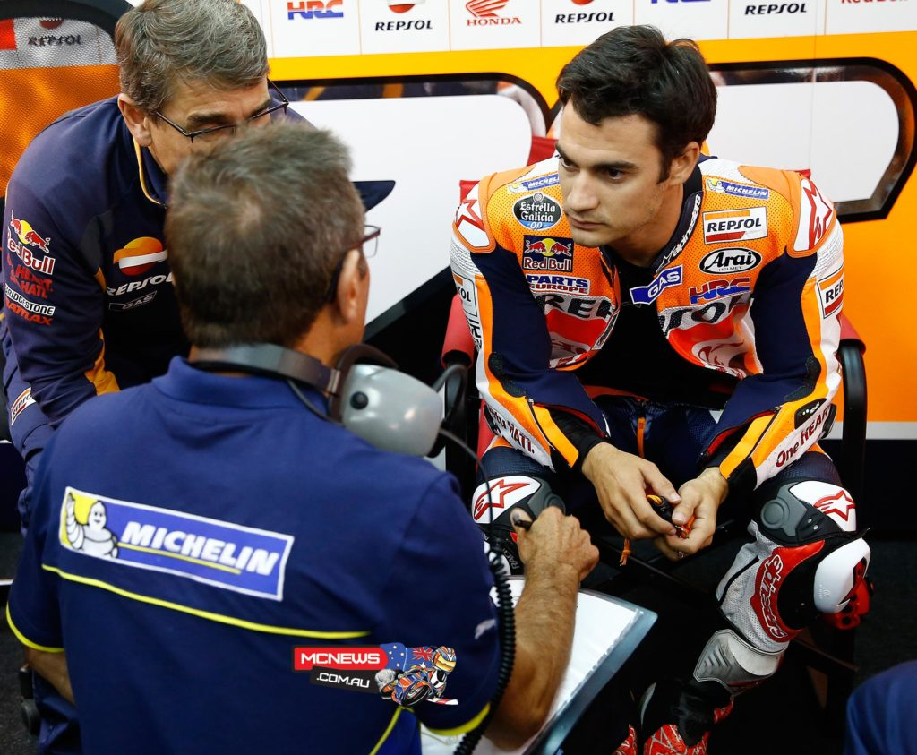 MotoGP Testing Valencia 2015 - Dani Pedrosa with Michelin Techs