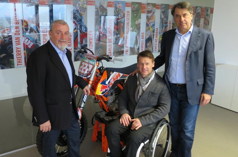 Youthstream President, Giuseppe Luongo, visited the KTM factory and headquarters and the racing department of KTM and Husqvarna in Austria, during this occasion he met with Mr. Stefan Pierer (KTM's CEO), Mr. Pit Beirer (KTM's Motorsport Director)
