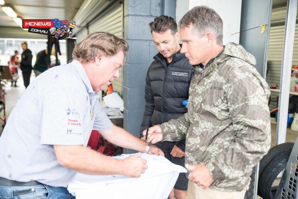 Island Classic 2016 - International Challenge - Steve Martin signs a shirt for a spectator with Cam Donald
