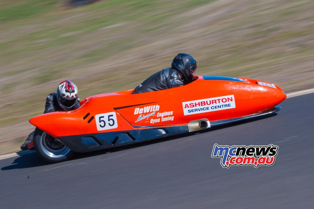 Duncan Rogerts and Rodney Bell on the LCR1000 - 2016 Victorian Interclub Round One Broadford - Image by Cameron White