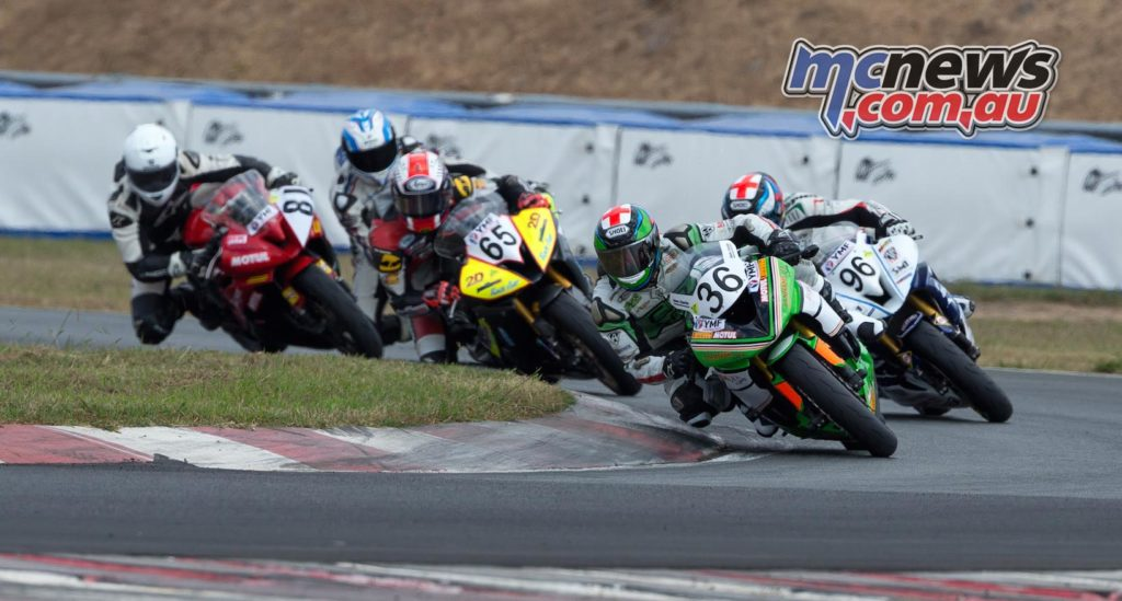 Sam Clarke leads Motul Supersport - ASBK 2016 - Round Two - Wakefield Park