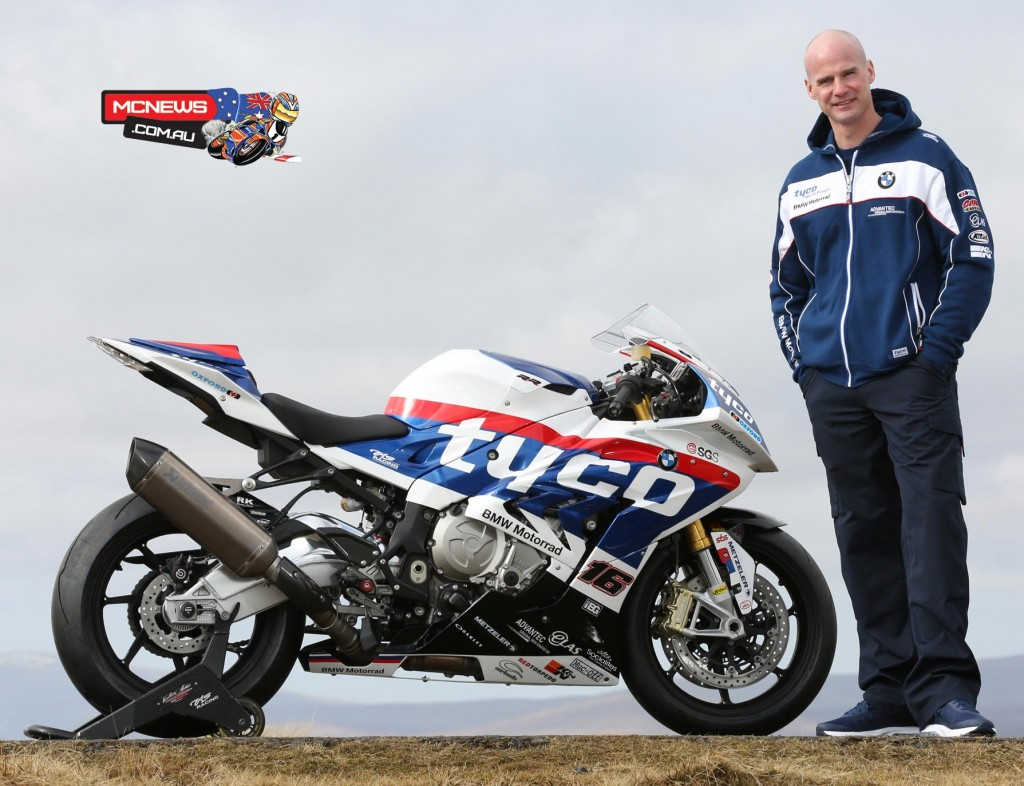 Three-time TT winner Ryan Farquhar will ride a Tyco BMW S1000RR Superbike for TAS Racing at the TT alongside 11-time winner Ian Hutchinson.