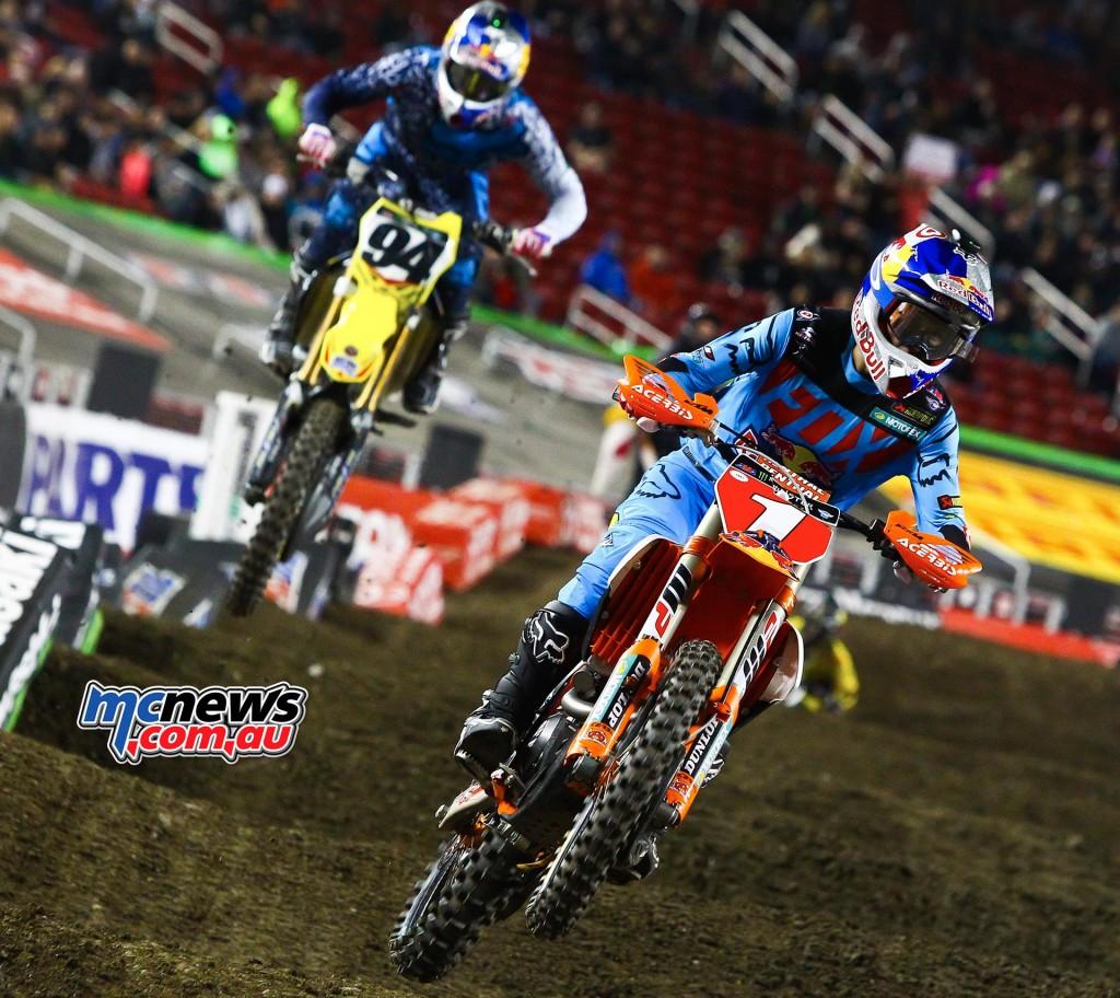 AMA Supercross 2016 - Santa Clara - Ryan Dungey leads Ken Roczen