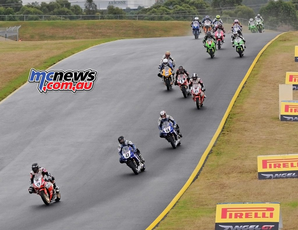 ASBK 2016 - Round Three - Sydney Motorsports Park - Race Two - Start