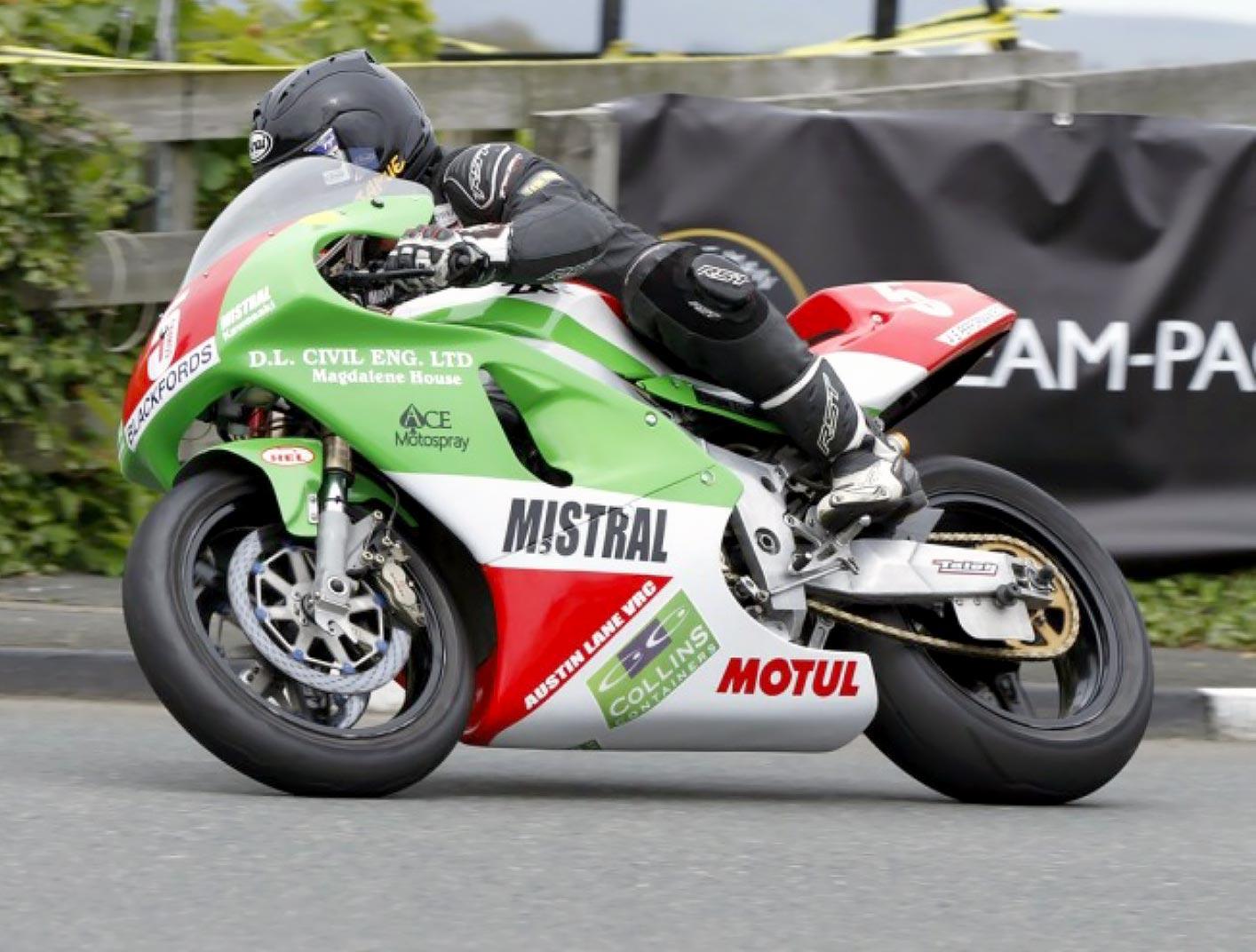 Jamie Coward - 750 Mistral Kawasaki (Image by Christine Hartley)