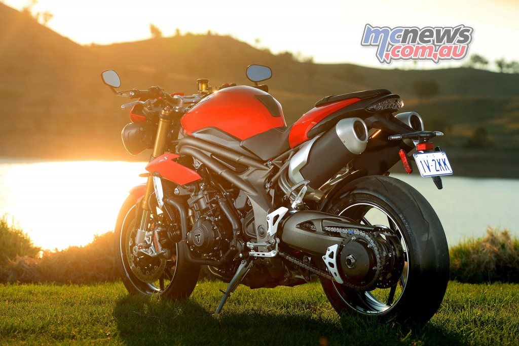 Motorcycle Review - 2016 Triumph Speed Triple