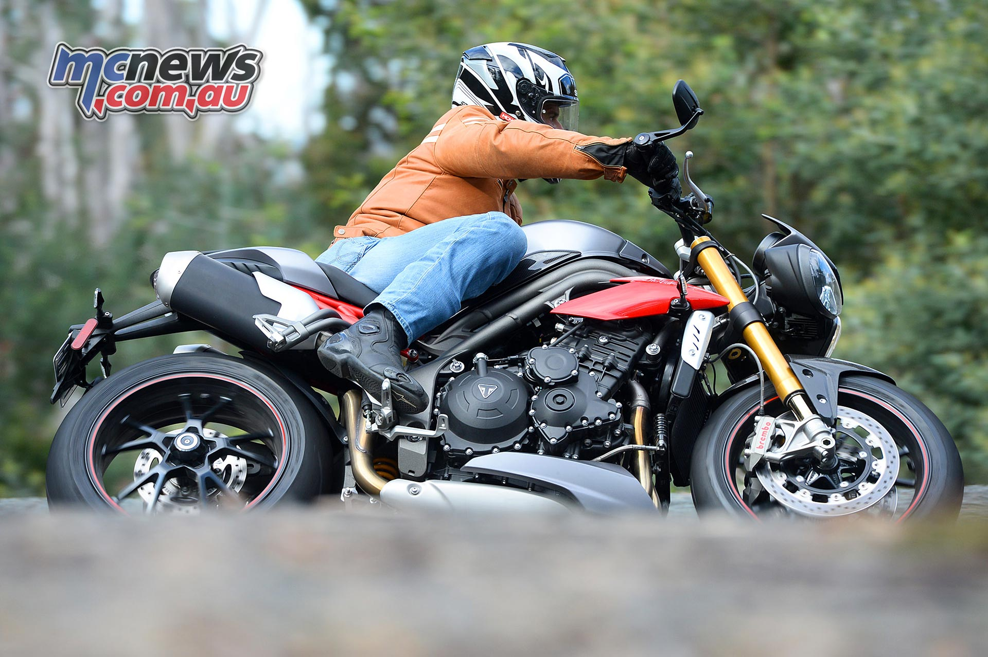 Triumph Speed Triple Review 2016