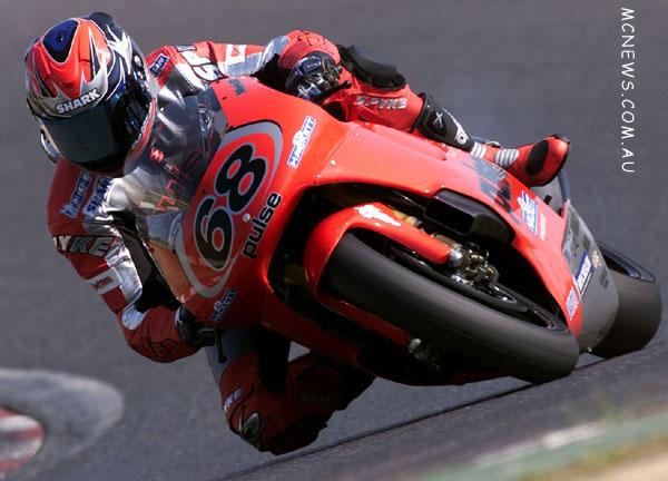 MotoGP 500cc World Championship 2001 - Round One - Suzuka - Mark Willis