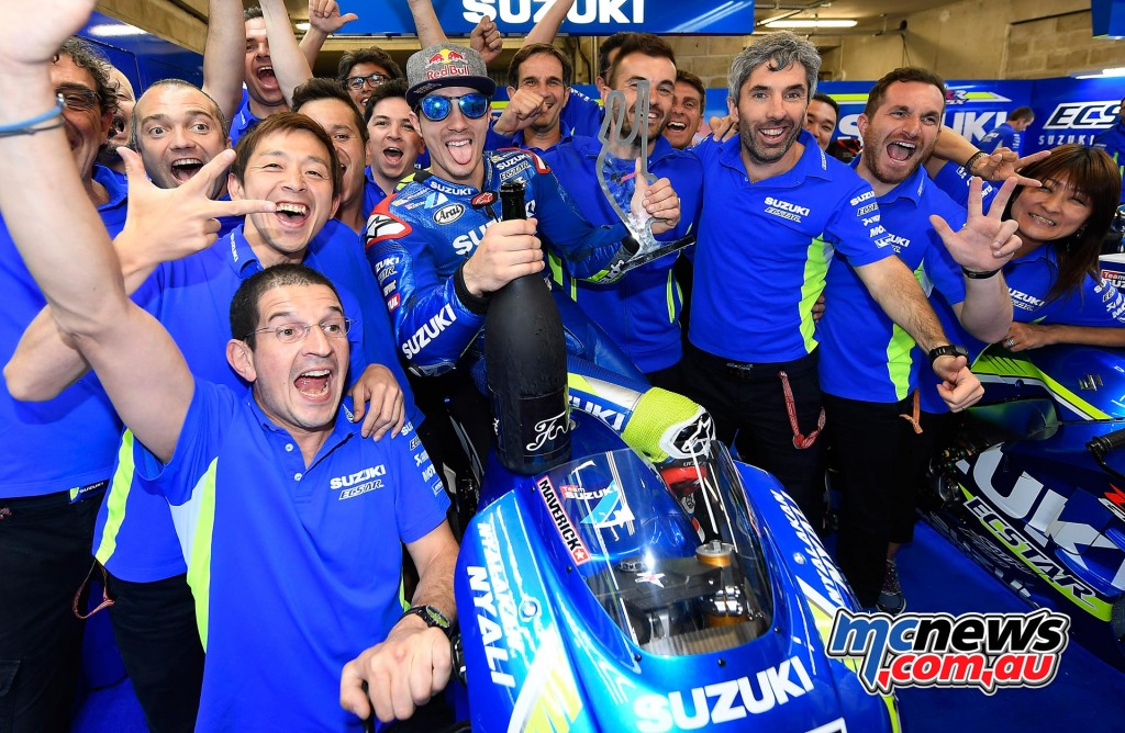 Suzuki celebrate their podium at Le Mans MotoGP 2016