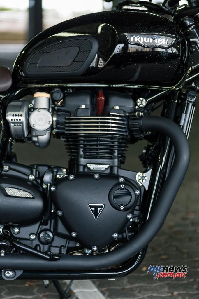 Triumph T120 Bonneville Black