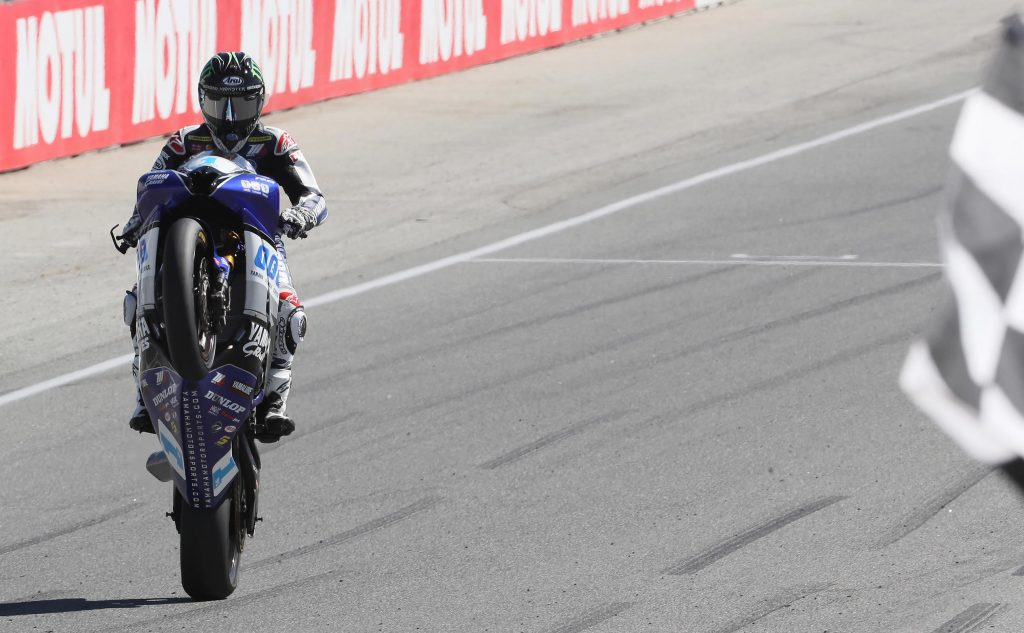 JD Beach kept his Supersport title hopes alive with a runaway victory on Sunday morning.