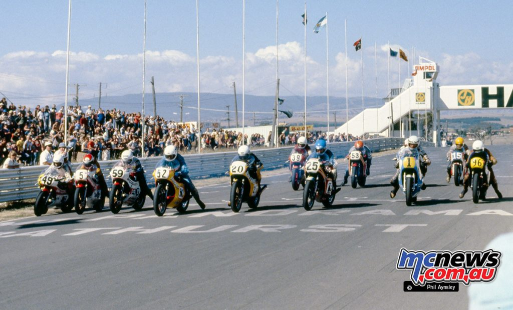Start of the Unlimited GP - 1980 Bathurst - Image by Phil Aynsley