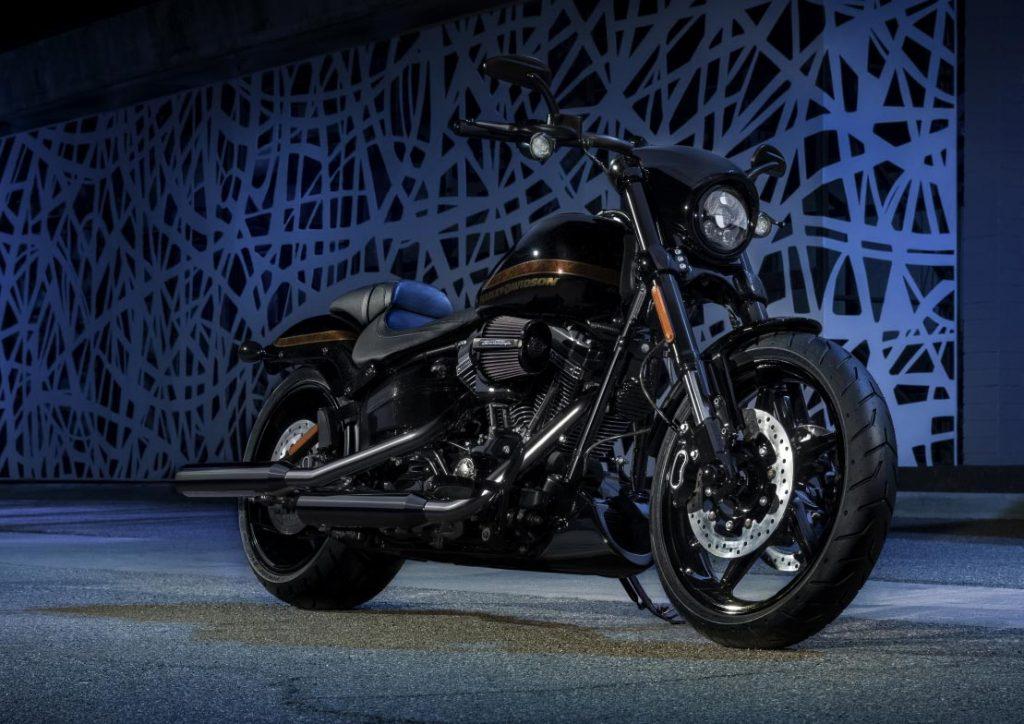 Harley-Davidson 2017 CVO Pro Street Breakout