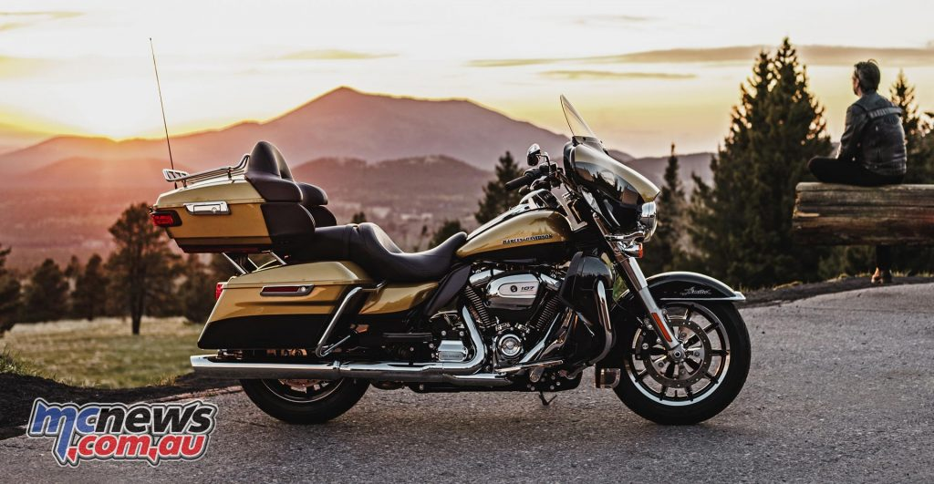 Harley-Davidson 2017 Touring with Milwaukee-Eight 107 engine