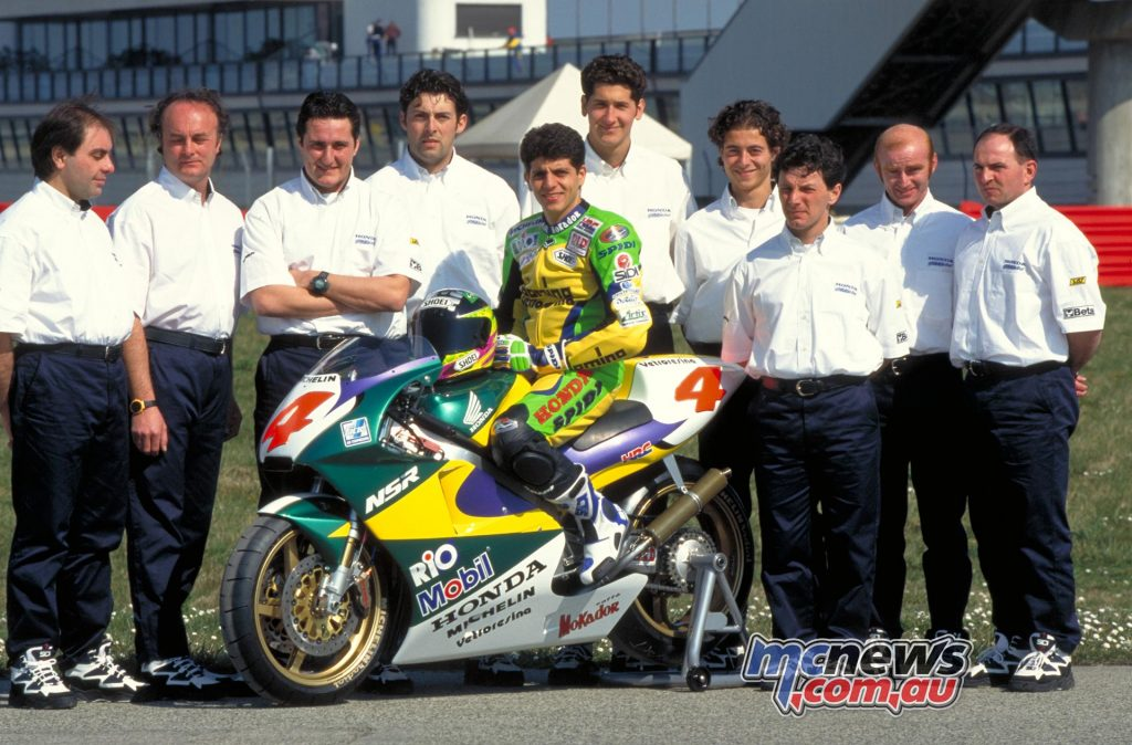 1997 - A MEMORABLE DEBUT The debut of the Gresini Racing team in the 500cc class has the flavor of motorcycling of the past: the team is set up in less than two months and in the opening GP, aboard a very private Honda NSR500 V-twin machine, Alex Barros is fighting for the top positions before being forced to slow down due to technical problems.