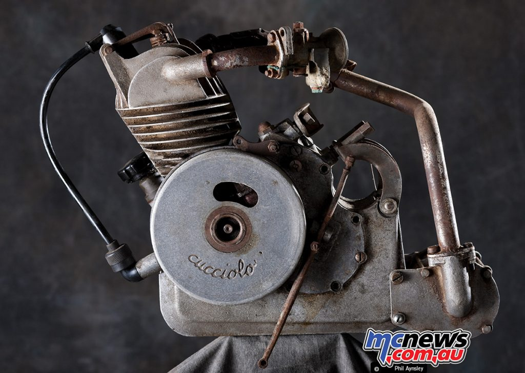In June 1946 when Ducati also began to production, several modifications were made to the design, with both companies calling it the T1.