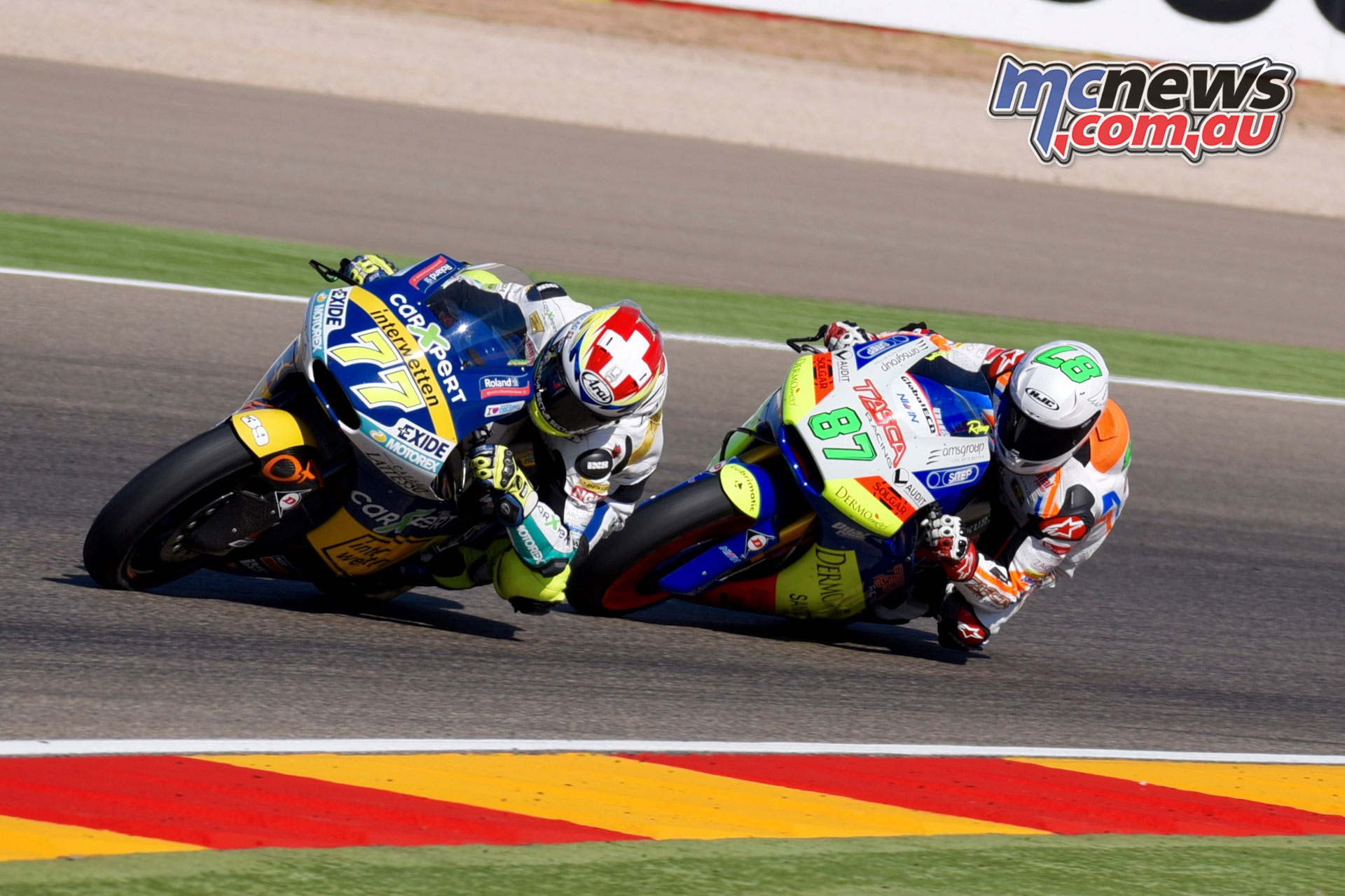 Remy Gardner #87 battling with Dominique Aegerter #77 – Image by Tasca Racing
