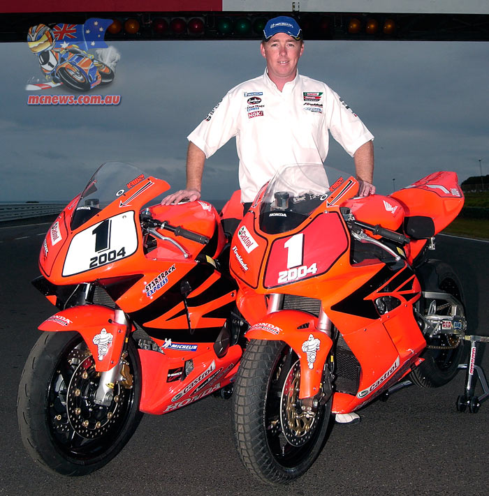 Adam Krutsy Fergusson took the Australian Supersport and Superbike double in 2004