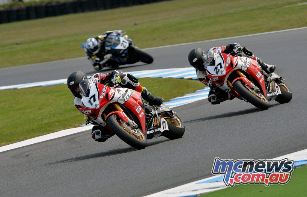 2016 Phillip Island Superbike, Troy Herfoss, Jamie Stauffer, Josh Waters
