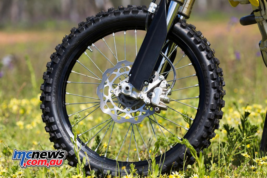 2017 Suzuki RM-Z250 - 250mm front wave rotor, black anodised Excel rims