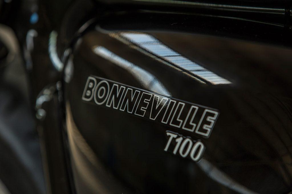 2017 Triumph Bonneville T100 styling - simple.