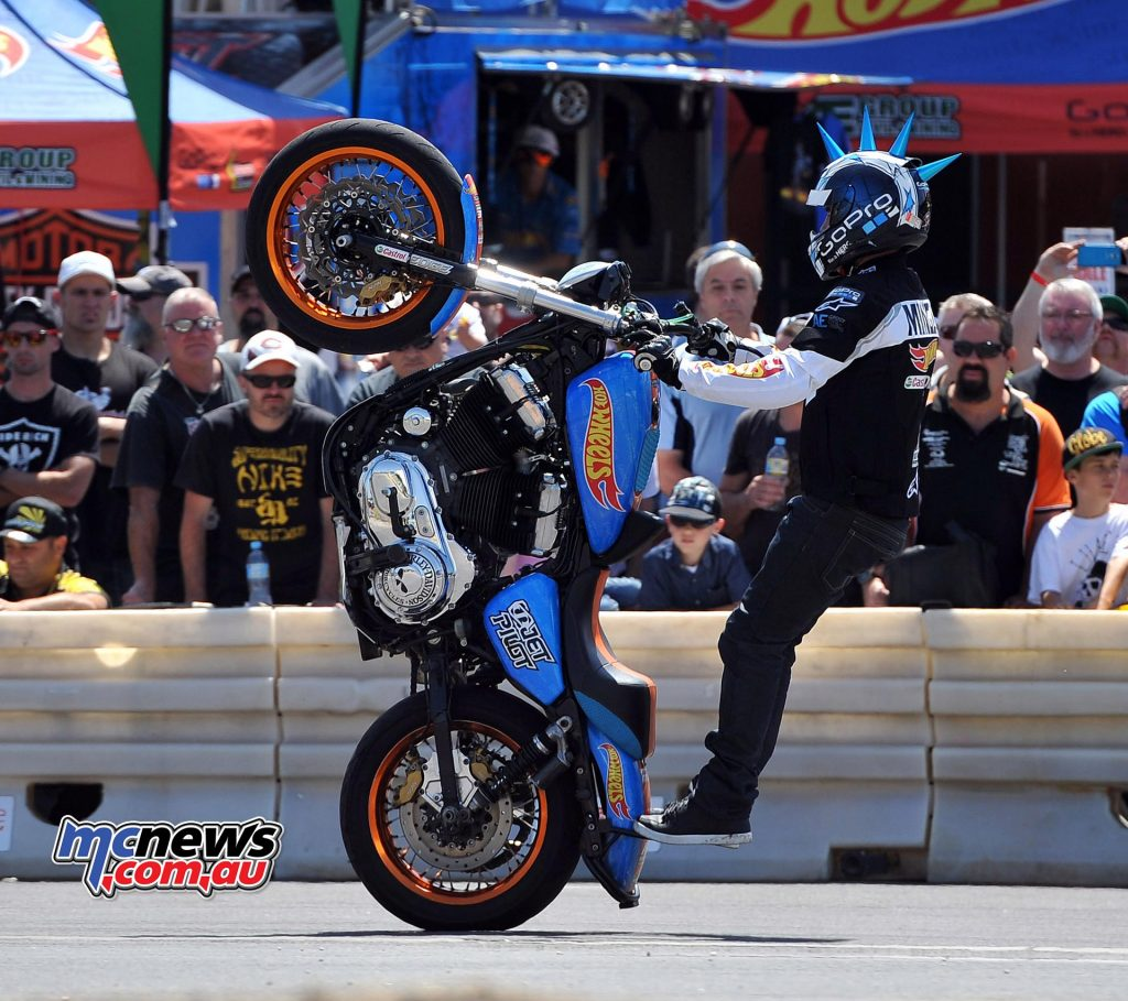 moto-expo-melbourne-stunts