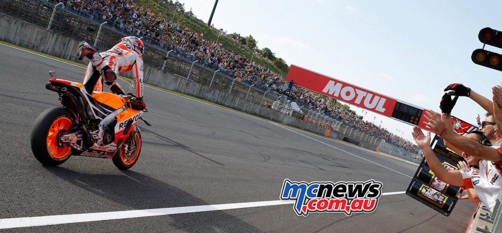 motogp-2016-motegi-marc-marquez-champ-1