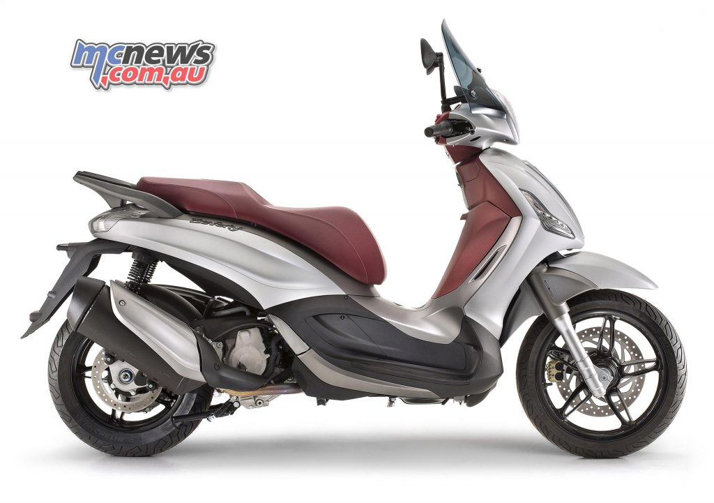 The Piaggio Beverly Sport Touring is the only engine in the category to use an automatic multiplate wet clutch. The other Beverly models use a automatic centrifugal dry clutch.