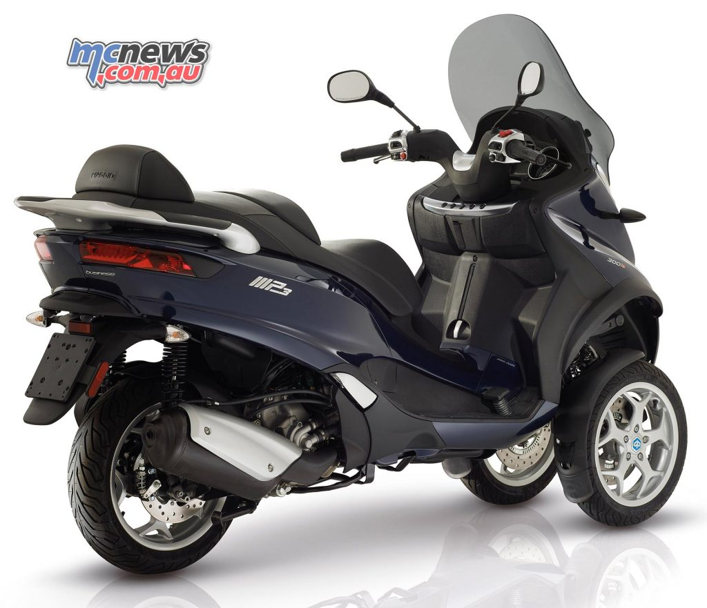 Piaggio MP3 300 Business. The tail of the new generation of MP3's is inspired by the Piaggio GT scooters.