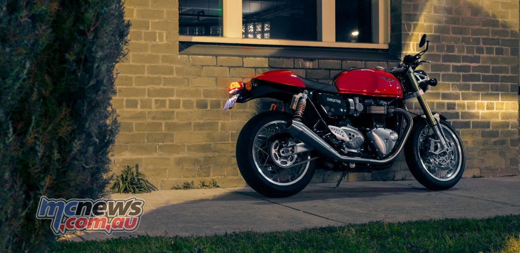 Thruxton R in red