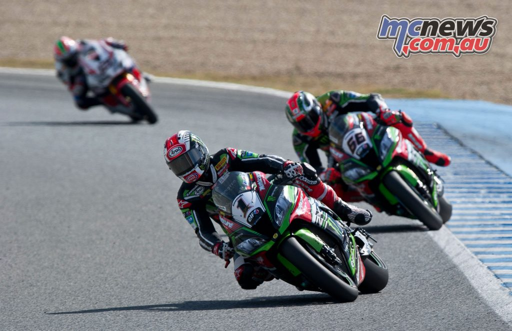 Jonathan Rea leads Tom Sykes - Image by Geebee Images