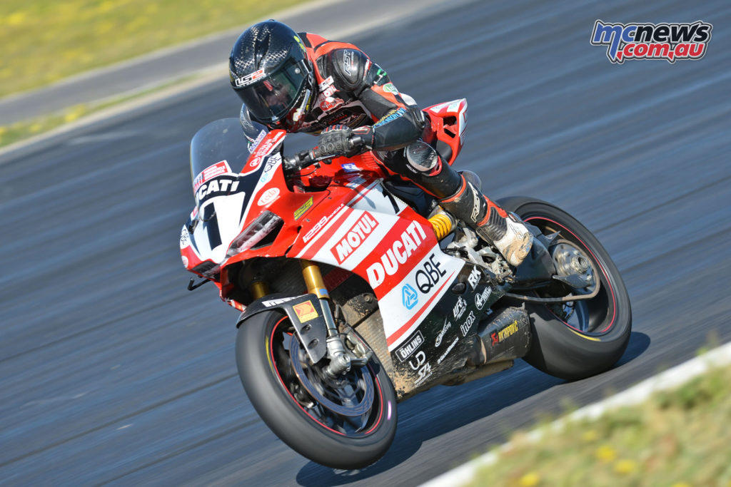 Mike Jones on the DesmoSport Ducati at the Winton final round of 2016 - Image by Russell Colvin