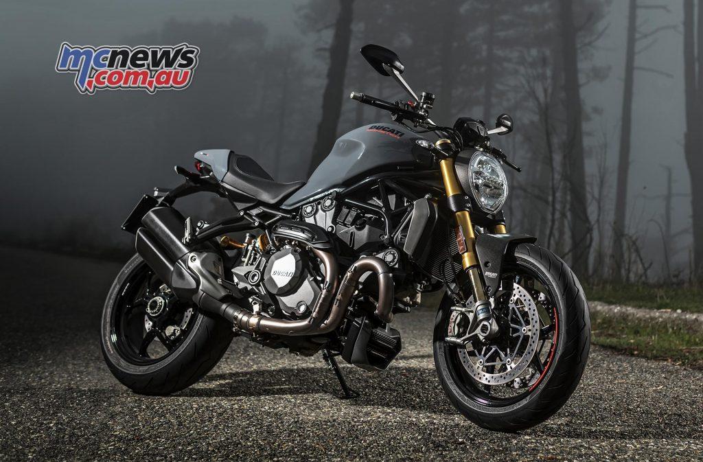 2017-ducati-monster-1200-s-4