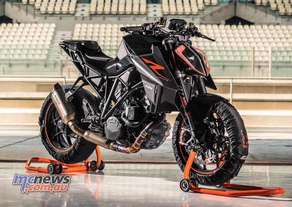 2017 KTM 1290 Superduke R
