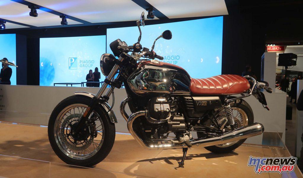2017 Moto Guzzi V7 III Anniversario - EICMA 2016
