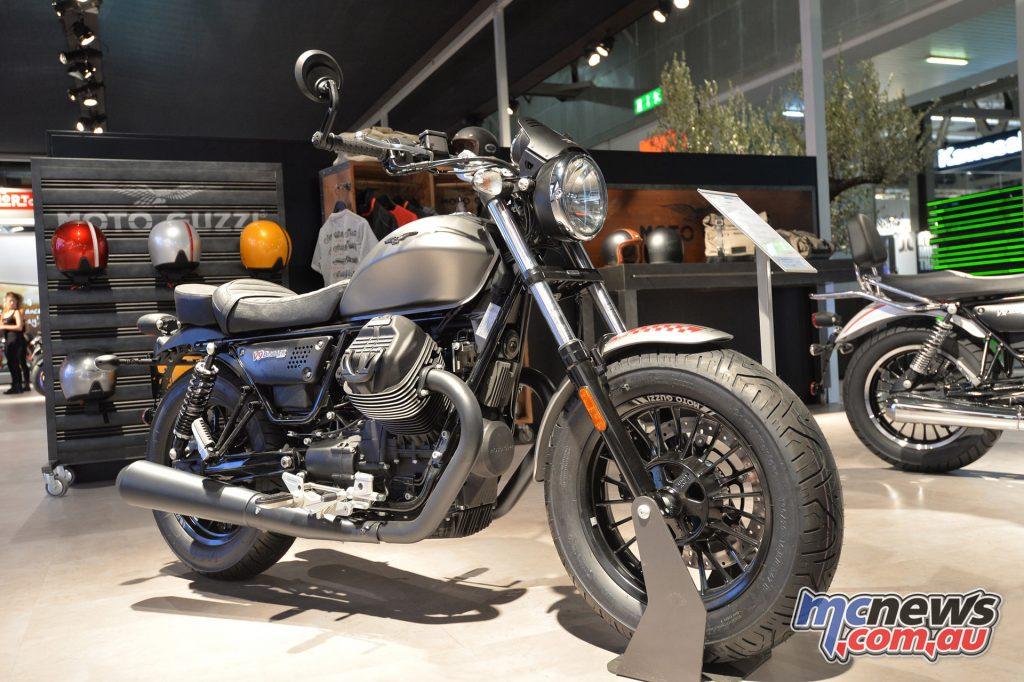 2017 Moto Guzzi V9 Bobber - EICMA 2016
