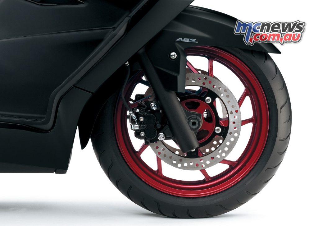 2017 Suzuki Burgman 400 - dual front brakes