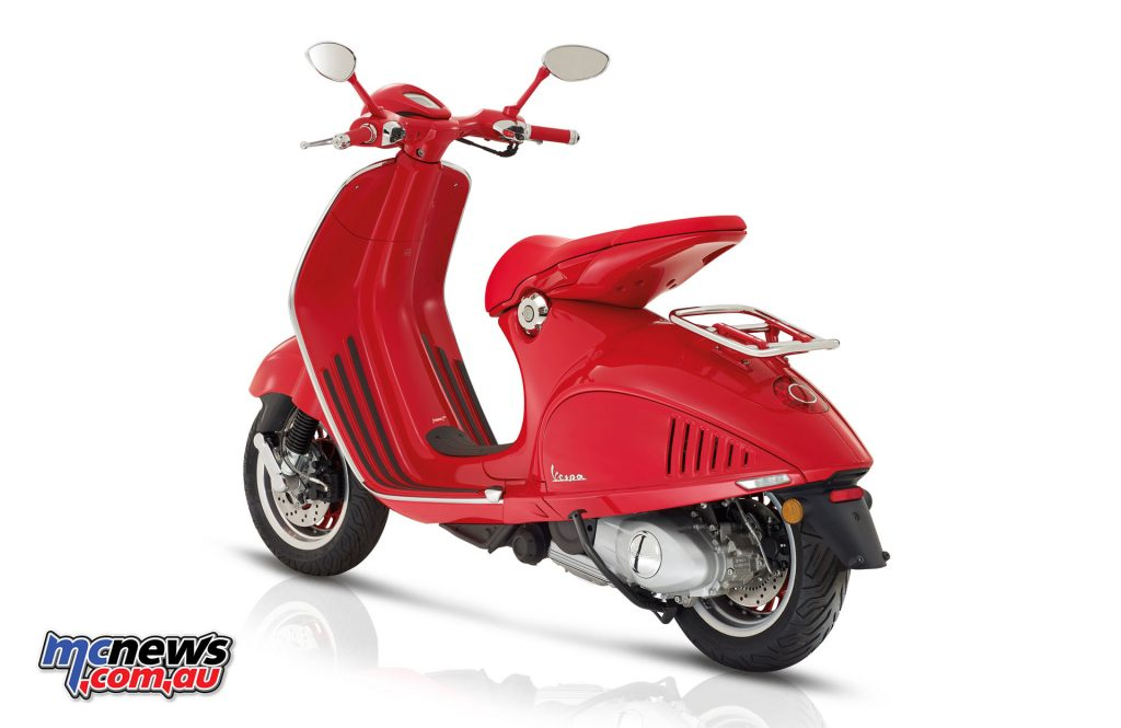 2017 Vespa 946 RED