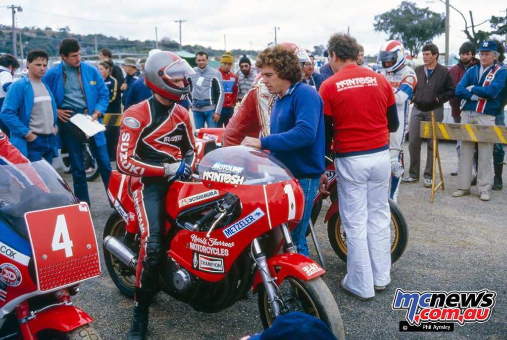 Bathurst 1984 - Roger Freeth (2) and team mate Norris Farrow (1) on their McIntosh Suzuki 1000s.