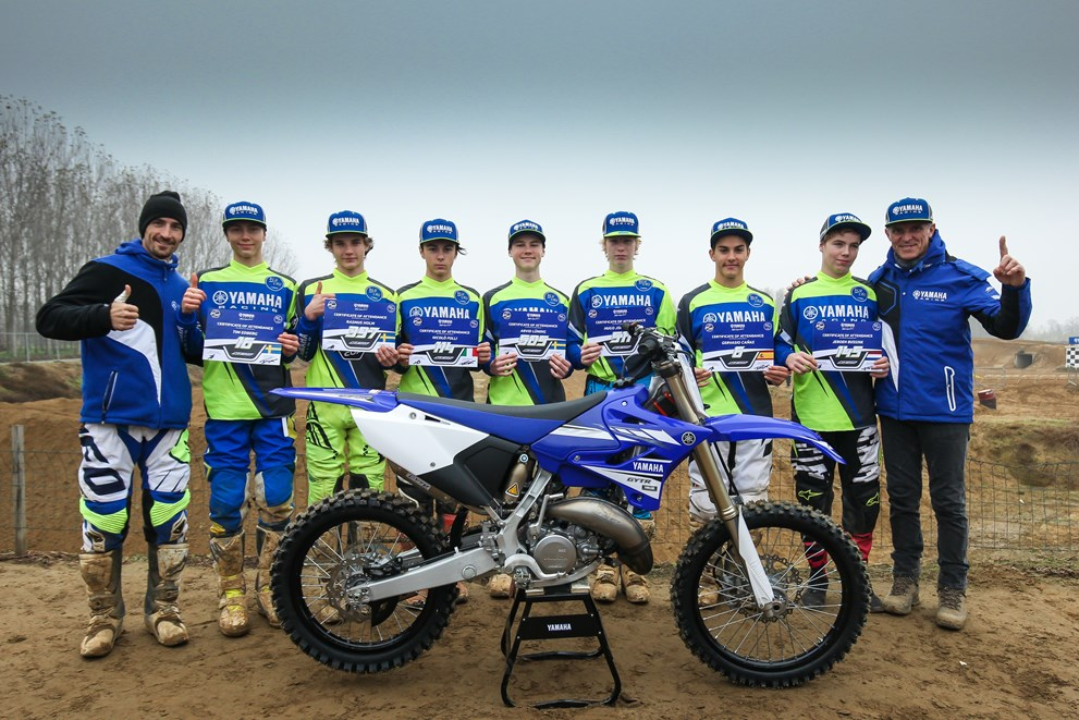 Yamaha YZF125 Cup students graduate