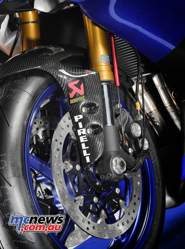 2017 Yamaha YZF-R6 in race trim