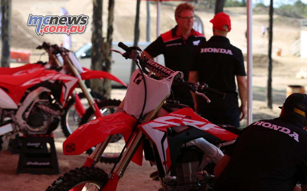 2017 Honda CRF450R - Crankt Protein Honda Racing MX/SX Manager Jay Foreman in background