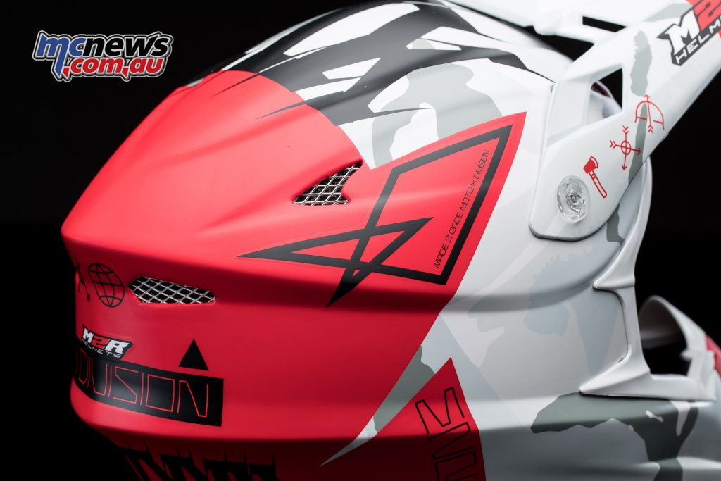 2017 M2R X4.5 off-road helmet - Multiple inlet and exhaust vents are enhanced by full flow-through channelling between the EPS layers to ensure massive airflow and total concentration