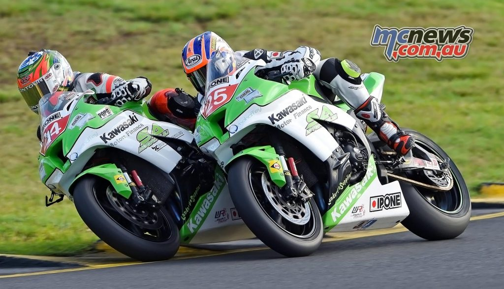 Robbie Bugden and Josh Brookes tussle at Sydney Motorsports Park