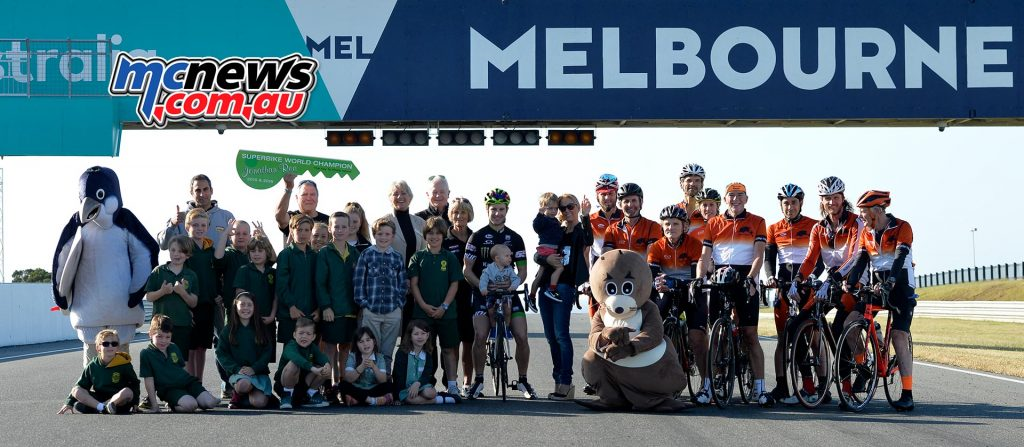 Jonathan Rea with Cowes Primary School kids, his cycling group and Bass Shire Council Mayor - Image by Russ Colvin
