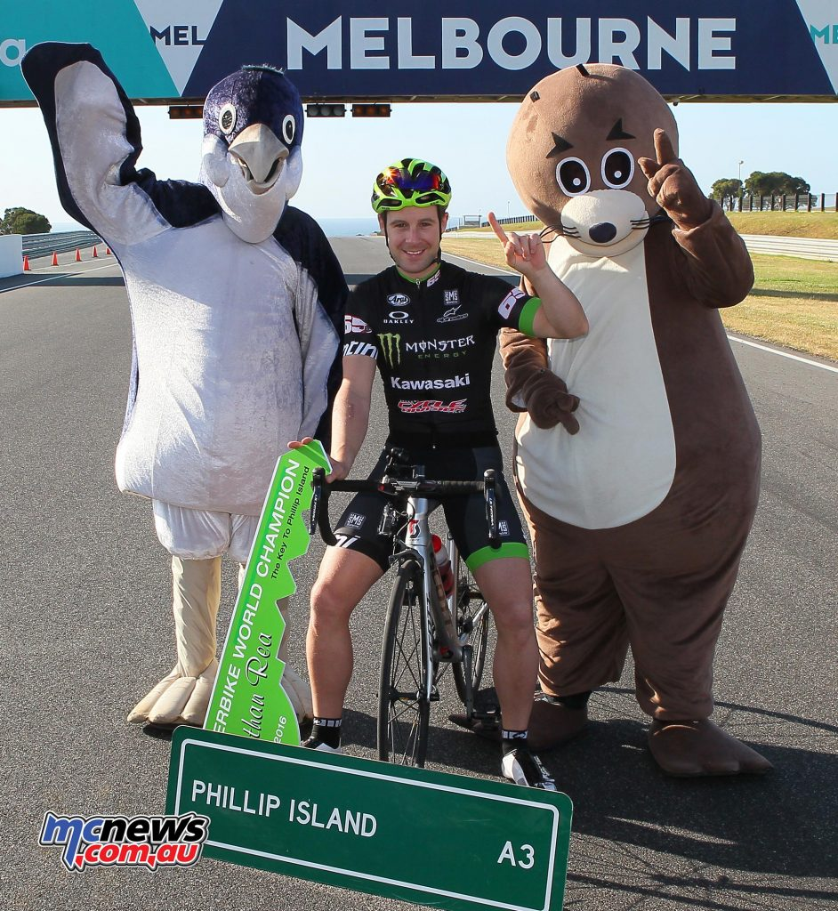 Jonathan Rea hams it up for the cameras with a larger than life Phillip Island penguin and seal - Image by Russ Colvin