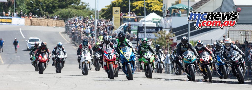 Scott Moir leads the F1 Superbike pack at Whanganui on Boxing Day - Image by Craig Dawson