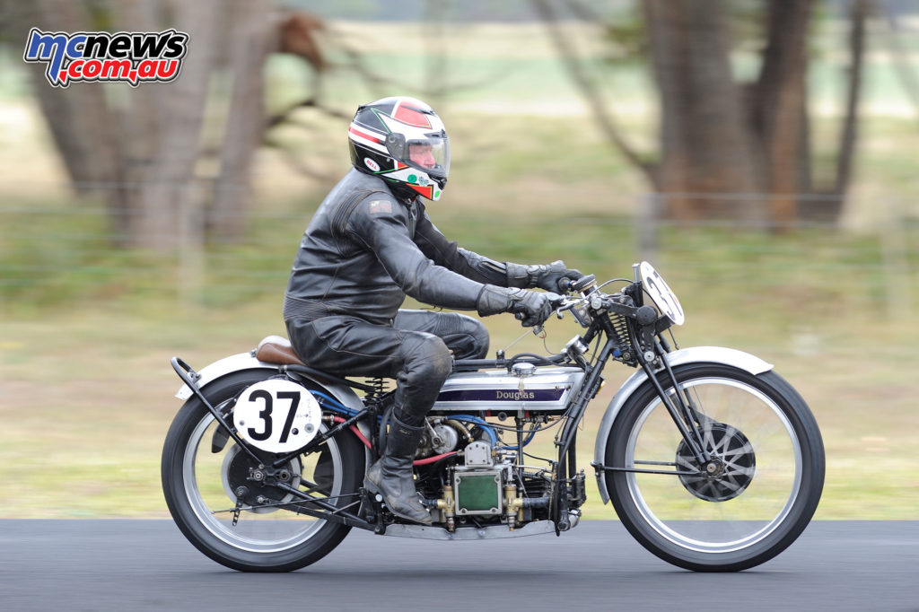 2016 South Australian Historic Road Racing Championship - Mac Park - Ken Lucas, 1928 Douglas